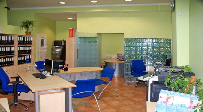 widok na nowoczesne wnętrze lokalu biurowego do wynajmu we Wrocławiu