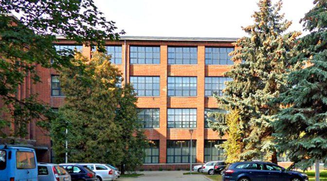 prestiżowy biurowiec we Wrocławiu, gdzie mieści się oferowany do wynajmu lokal biurowy