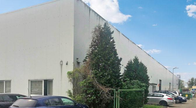 prestiżowy budynek, w którym znajduje się oferowany do wynajęcia lokal biurowy we Wrocławiu